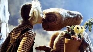 ET- Film Keluarga Terbaik