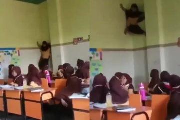 murid sd panjat kelas