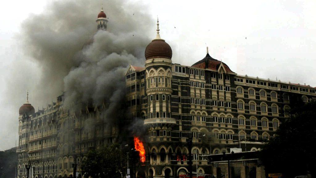 fakta dan kontroversi hotel mumbai